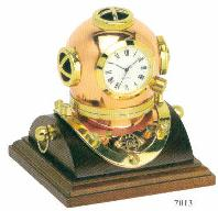 Diving Helmet Clock Medium